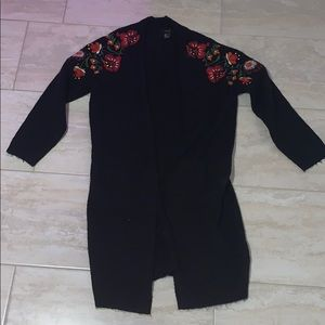 🌺  Embroidered flower long black cardigan 🌺
